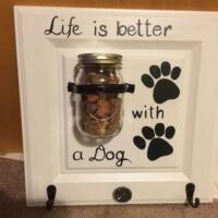 UC218 Dog Life - Treat -Leash Center.jpg